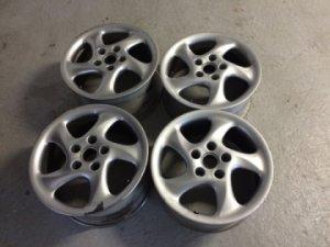 4 jantes de 18 pouces en aluminium pour Porsche  VENDUES