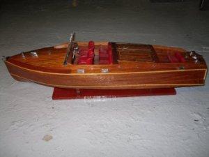BATEAU  Chris-Craft BARELL BACK     Longueur  81 cm   TROPTARD !...VENDU