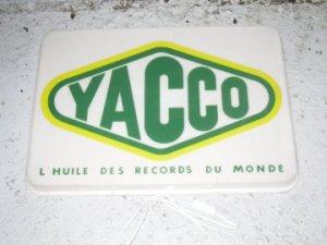 Panneau publicitaire YACCO éclairé