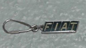 Porte clés en métal de la marque Fiat